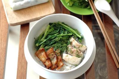 2 món ngon không ngấy cho cuối tuần: Phở cuốn và bánh đa cá rô