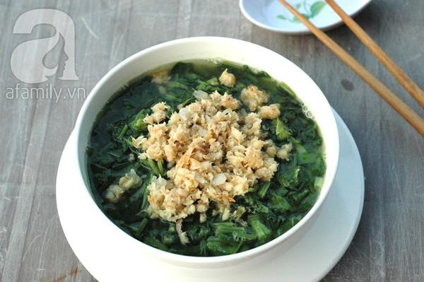 Cách làm món canh cải nấu tôm khô dân dã xua tan nắng hè