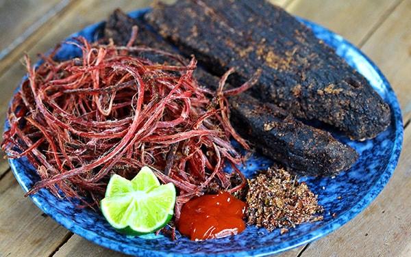 Thịt trâu gác bếp - Đặc sản người Thái ở Tây Bắc không thể bỏ qua