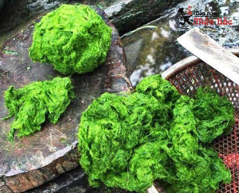 Rêu đá là món ăn khá độc đáo của người Thái ở Điện Biên
