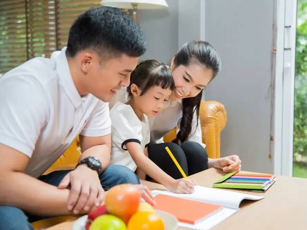 Làm thế nào để trẻ tự giác học bài ở nhà?