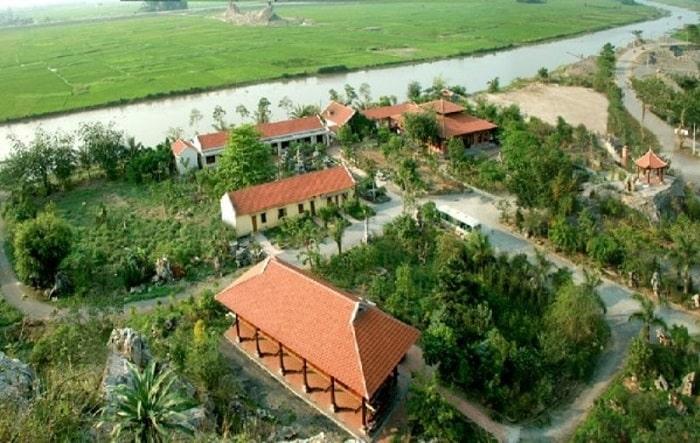 Toàn cảnh nhà hàng rộng lớn Hoàng Giang