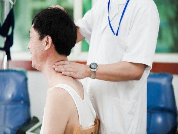 triệu chứng của bệnh gai cột sống 2
