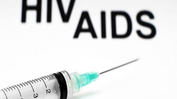 thời gian chuyển từ hiv sang aids là bao lâu