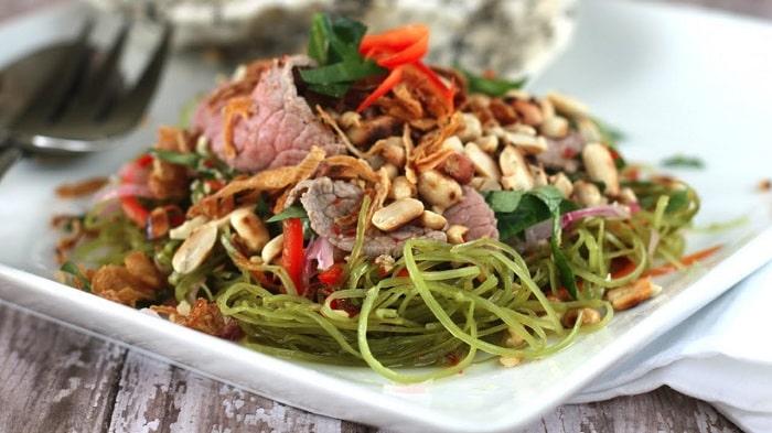Món nộm rau má thịt bò chưa ngọt hấp dẫn