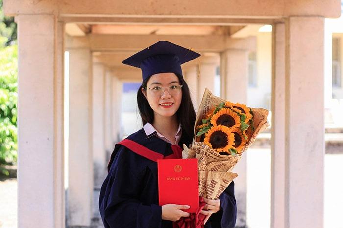 Gia sư sinh viên đã tốt nghiệp đại học