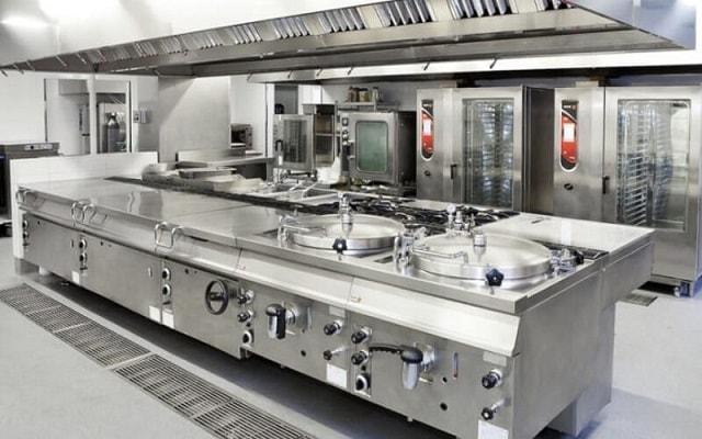 Cần trang bị đầy đủ các loại bếp ăn công nghiệp