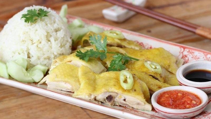 Cơm gà Hải Nam là 1 quán ăn ngon ở Gia Lai