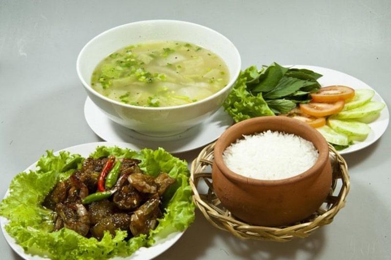 Tiệm cơm gia đình Ngọc Lâm là 1 quán ăn ngon ở Gia Lai
